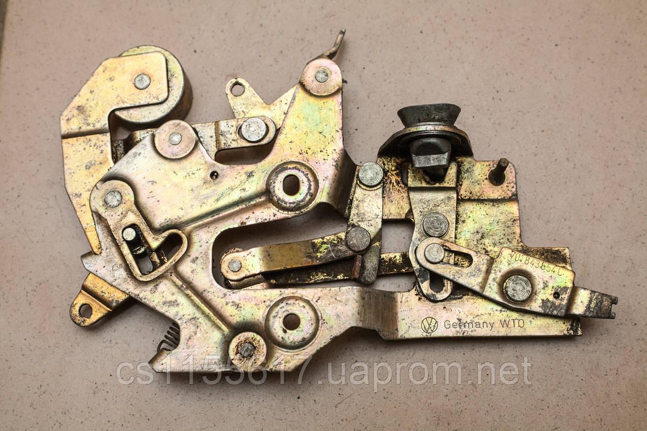 Механизм замка двери боковой сдвижной правой Volkswagen Transporter 4 1990-2003 701843654C