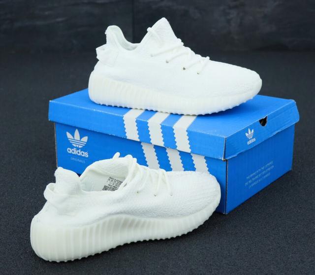 Белые кроссовки Adidas Yeezy Boost 350  фото