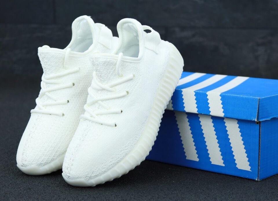 Белые женские кроссовки Adidas Yeezy Boost 350