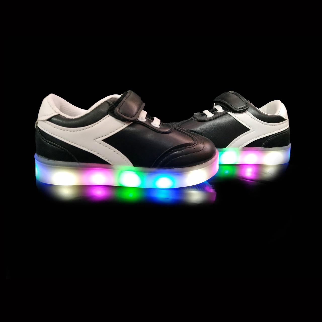 Кроссовки с подсветкой детские Black W51 только 25 размер