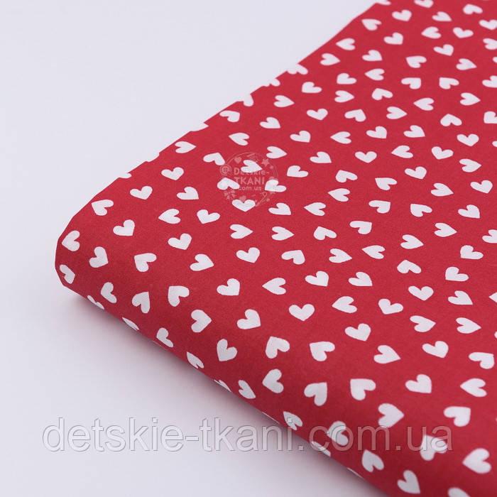 Отрез ткани №801 с белыми мини сердечками на красном фоне, размер 80*160