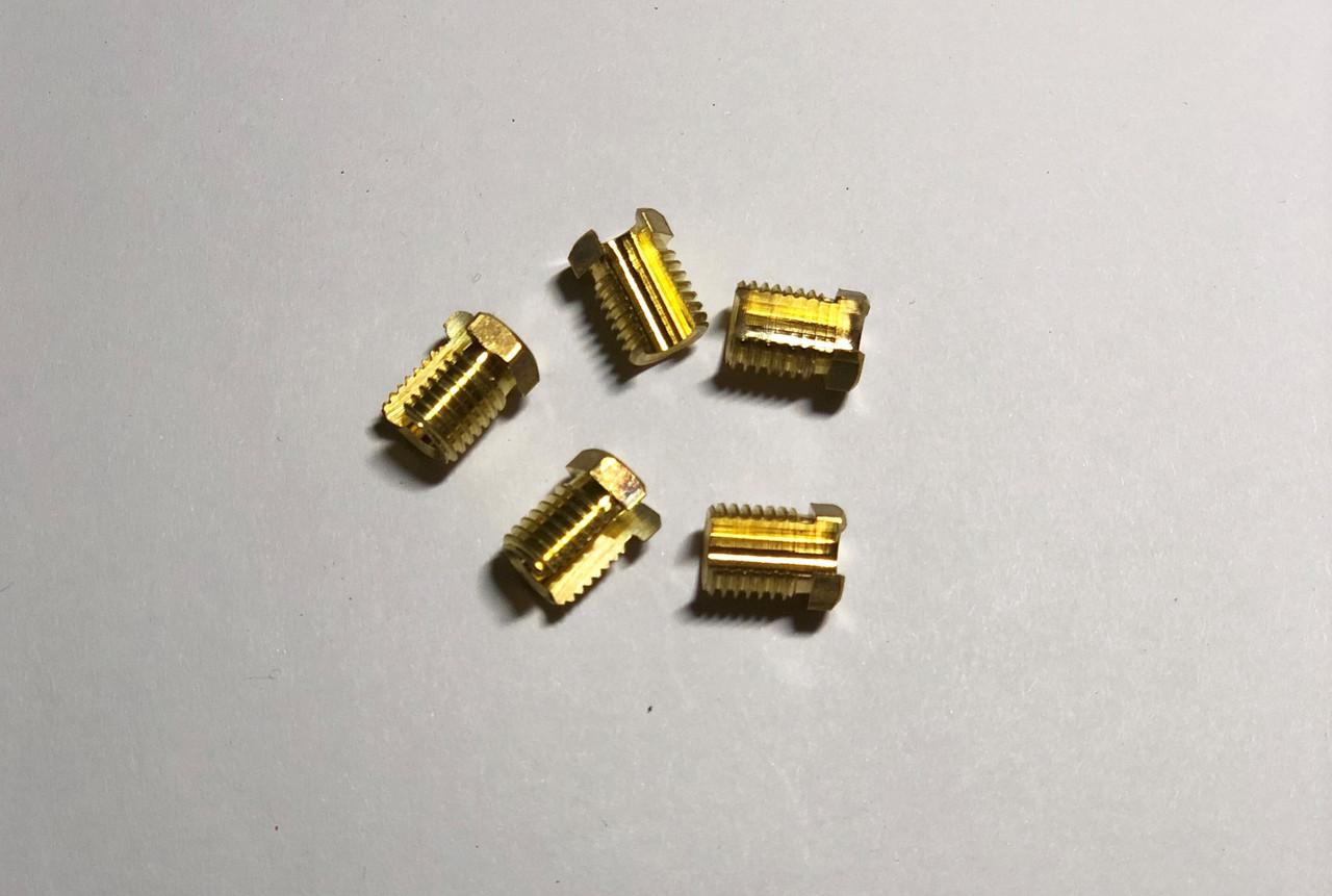 Крепежные комплектующие Гайка разрезная М9х1
