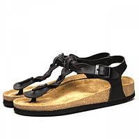 Удобные женские кожаные сандалии черного цвета с анатомически правильной стелькой из коры пробкового дерева.