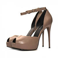 Женские кожаные босоножки бежевого цвета на высоком каблуке. Высота каблука 12,5 см.