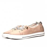 Стильные женские кожаные кроссовки цвета пудры - максимально комфортная обувь для прогулок.