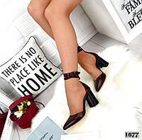 Туфлі жіночі шкіряні з завужені носком і ремінцем навколо щиколотки бордо