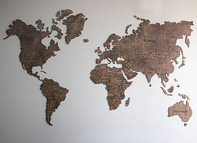 Карта мира с фанеры на стену (тонированная)