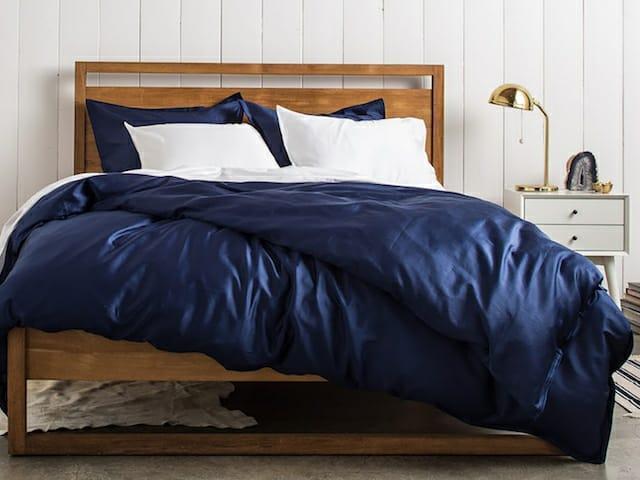 Однотонное постельное белье Сатин  Микс  Синий и Белый, разные размеры