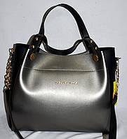 Женская серебристая с черным сумка Michael Kors с золотой фурнитурой и болтами на ручке 32*27 см, фото 1