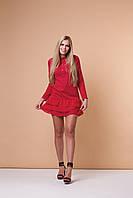 Красное трикотажное платье волан