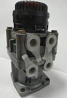 Кран тормозной главный 2-х контурный подпедальный с глушителем шума (4613150760) пр-во Беларусь