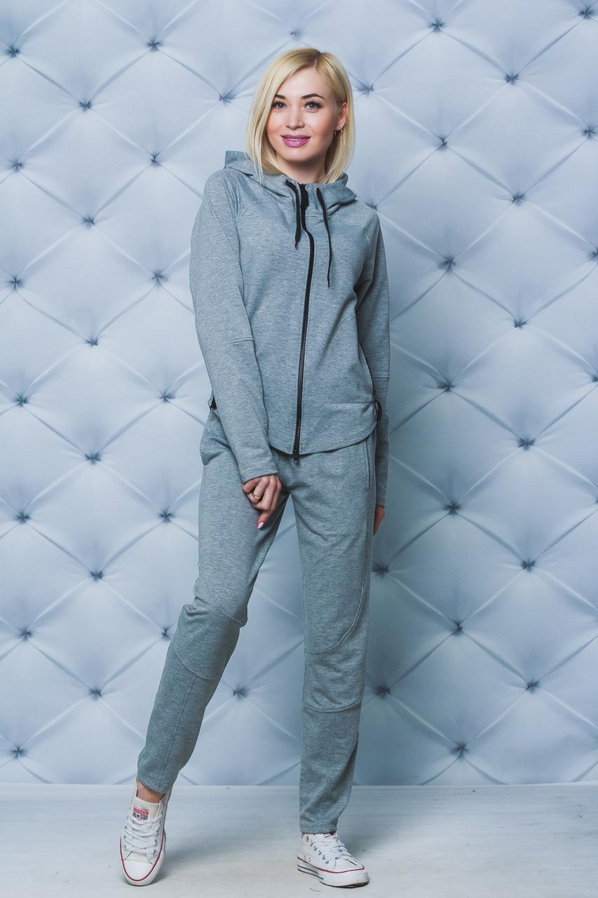 Костюм женский спортивный светло-серый