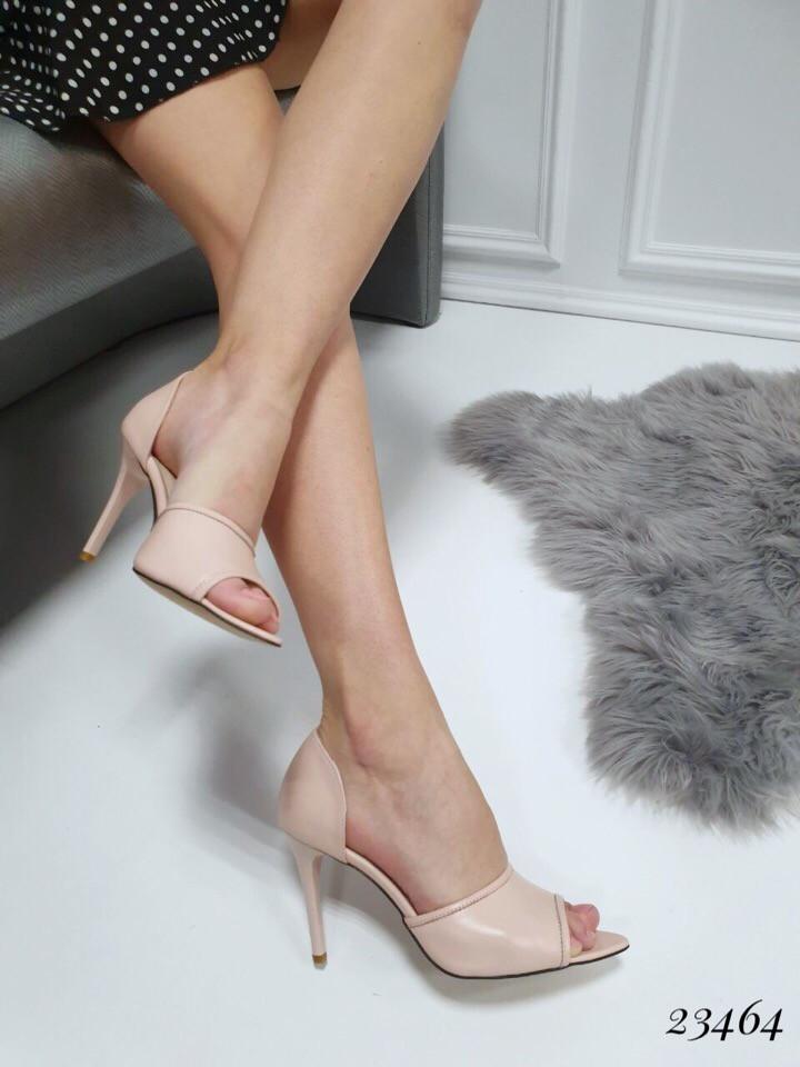 Туфли на каблуке с острым носком цвет бежевый натуральная кожа 38 и 40