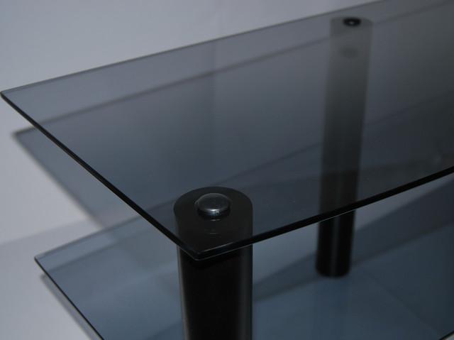 Черные опоры и стекло графит - эффектно, стильно, красиво