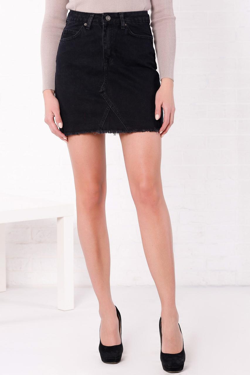 Джинсовая короткая юбка на осень с необработанным низом