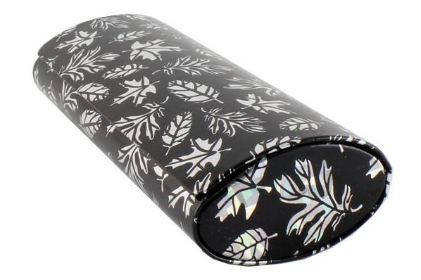 Футляр на магніті, малюнок листочки, лаковий (160*60*35) чорний