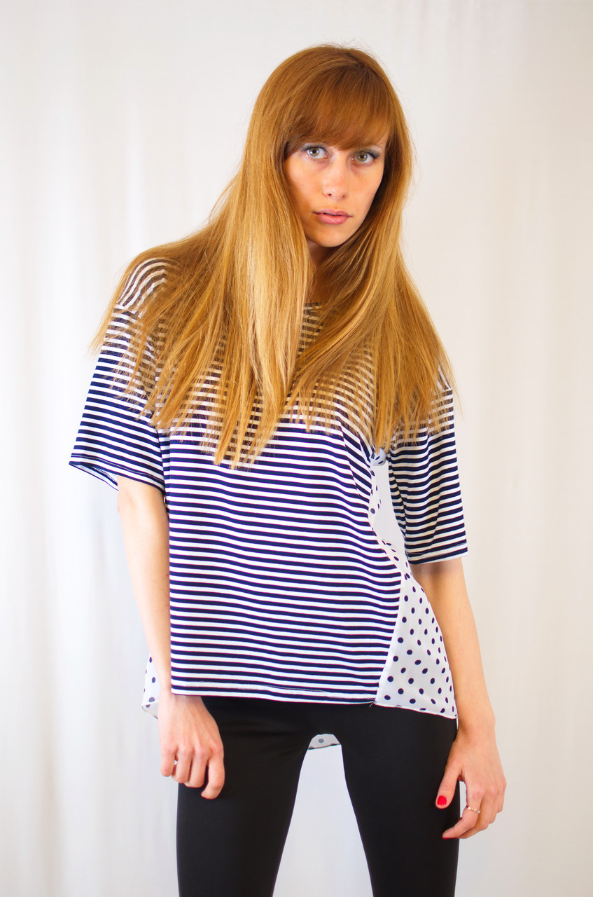 Модная оригинальная повседневная красивая блуза футболка с полосками и горошком