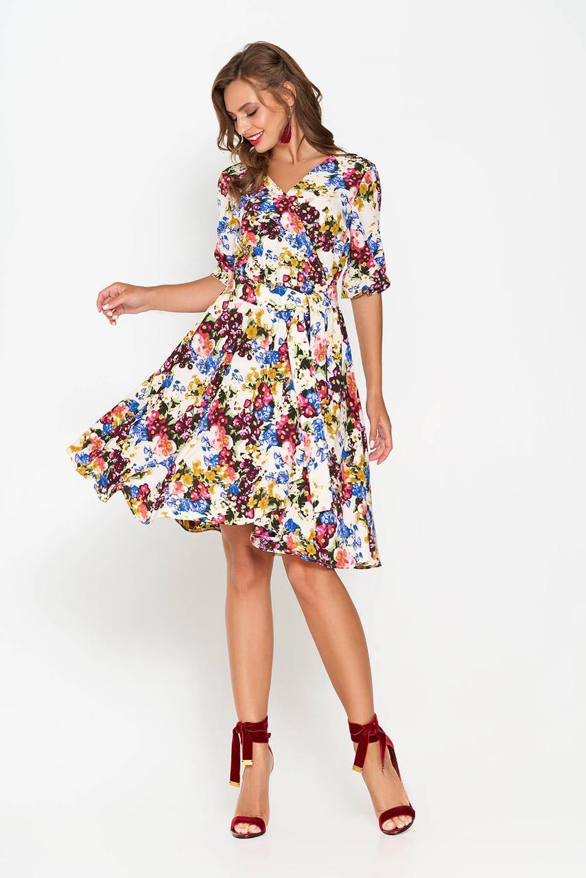 Летнее платье расклешенное с цветочным принтом