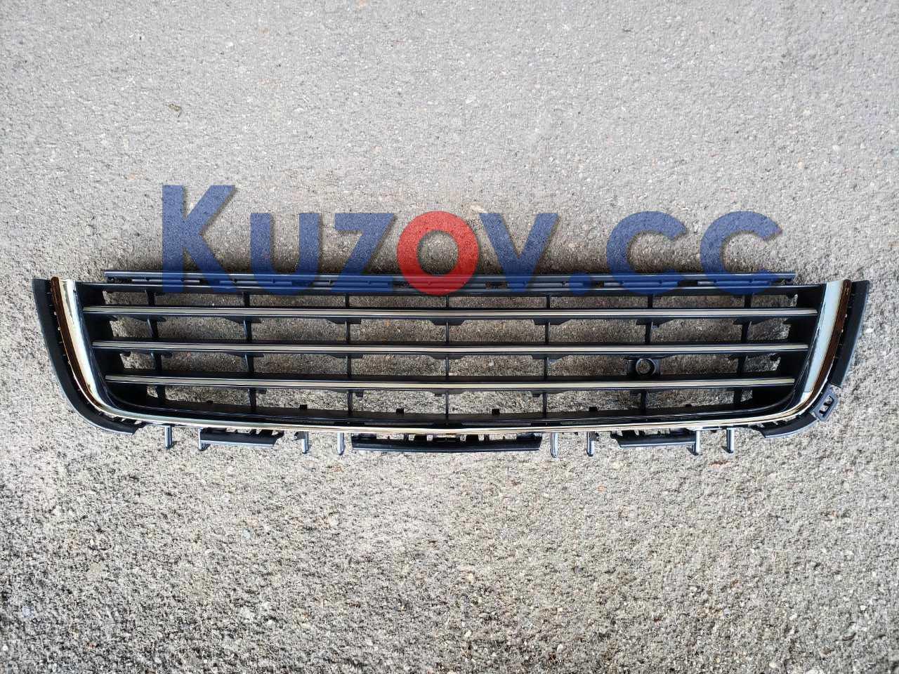 Решетка бампера средняя Opel Astra H (07-14) черная (FPS) 1400417