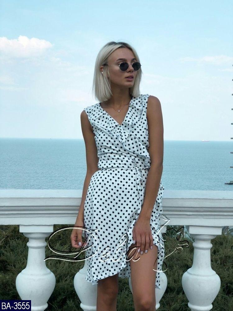 f2091e9639a Женское летнее мини платье в горошек с запахом и рюшами
