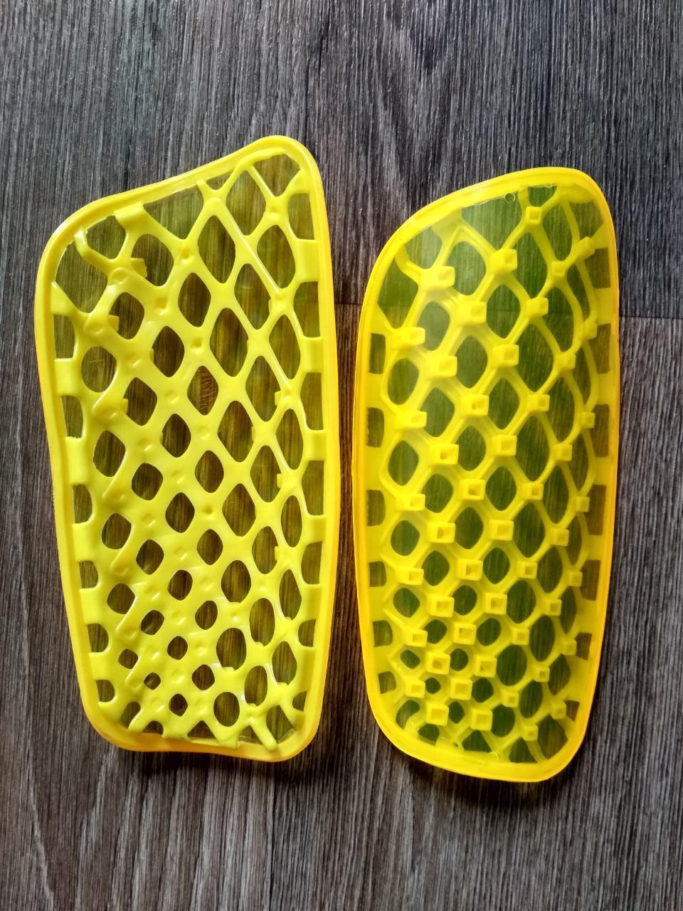 Щитки футбольные подростковые желтые