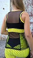 Майка спортивная женский для фитнеса черная с желтой отделкой