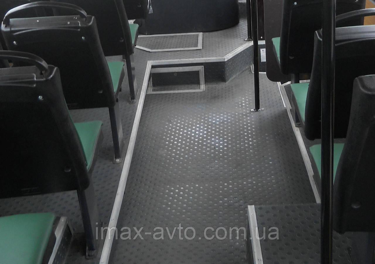Замена настила пола салона автобуса Богдан