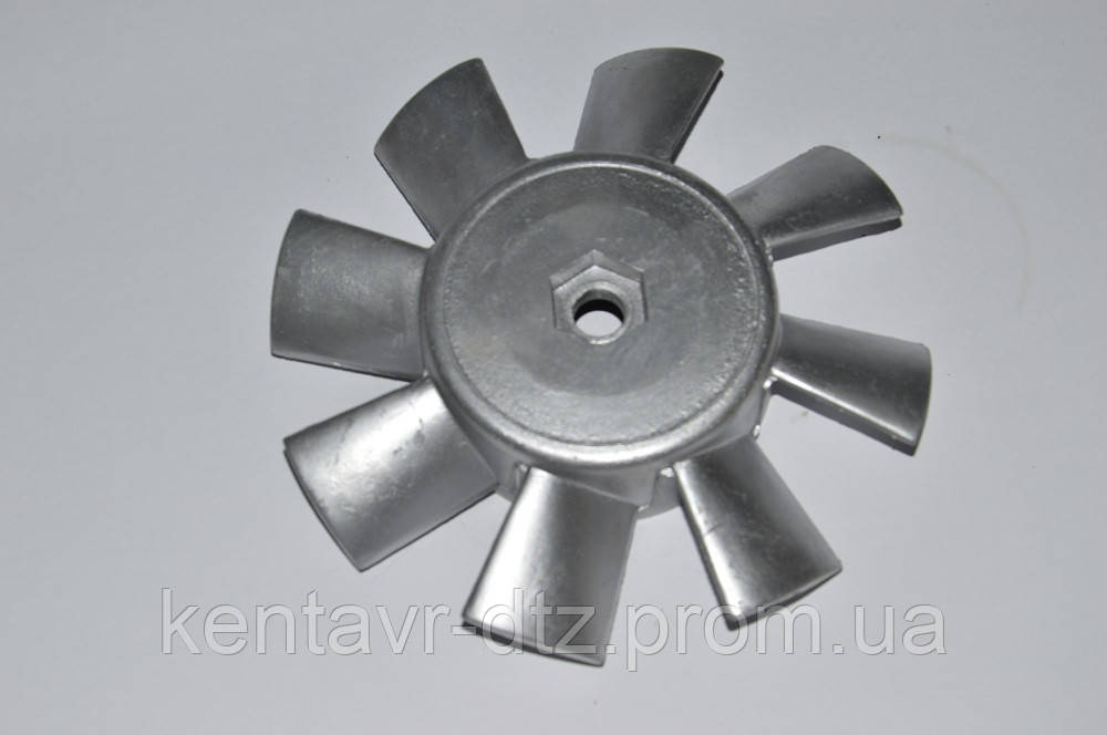 Крыльчатка вентилятора охлаждения двигателя