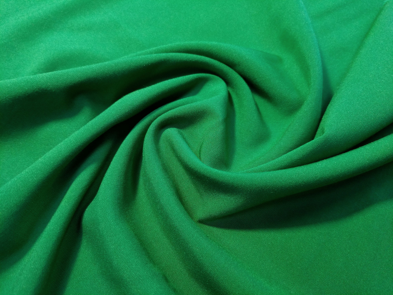 Штапель стрейчевый плотный, зеленый