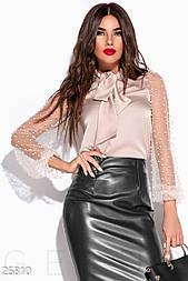 Нежная шелковая блуза бежевого цвета