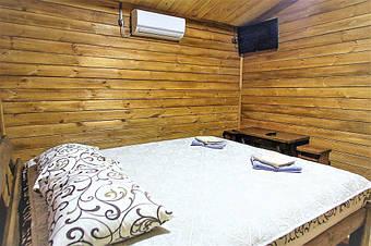 После согласования всех нюансов с дизайнером, наш экономист просчитает стоимость заказа, вышлет в Ваш адрес договор на изготовление деревянной мебели и согласует с Вами все возможные варианты расчёта и доставки заказанной деревянной мебели по Украине