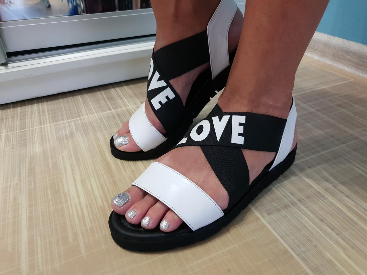 Стильные женские сандалии Guero