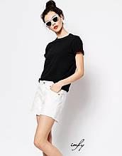 Базовая женская черная футболка
