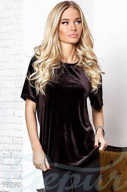 Женская футболка велюровая