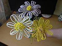 Цветы из бисера Ромашки
