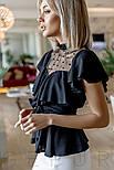 Легкая женская блуза с воланом и прозрачной кокеткой черная, фото 2