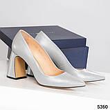 Туфли женские  на удобном каблуке серые, фото 2