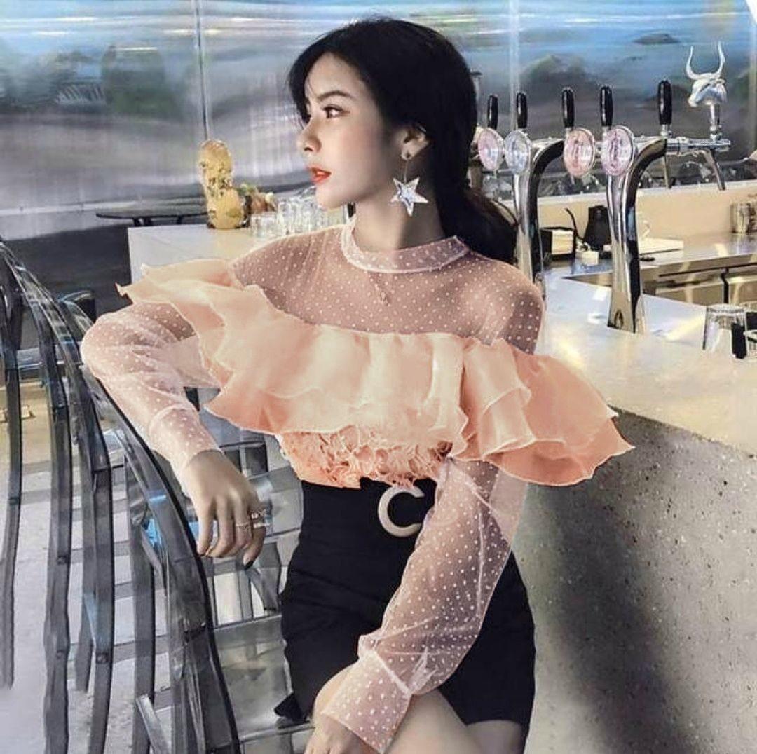 """Стильная женская блузка с воланом и вставками из сеточки ткань """"Кружево на подкладе"""" 42, 44 размер норма"""