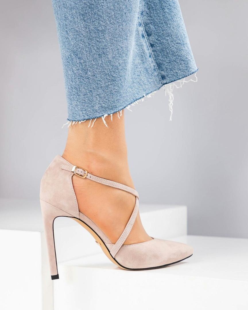 Туфли женские с ремешками бежевые
