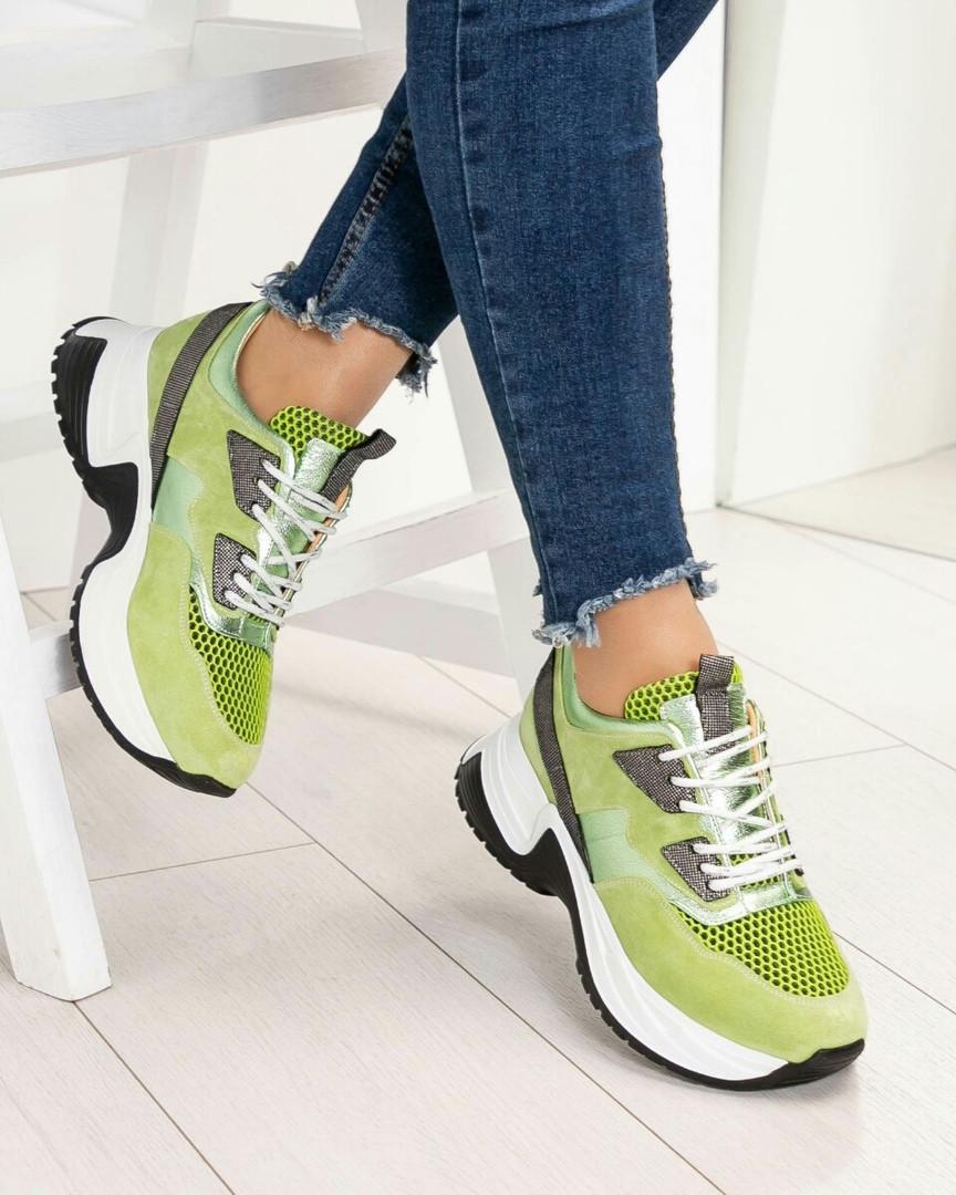 Оригинальные кроссовки на тлстой подошве