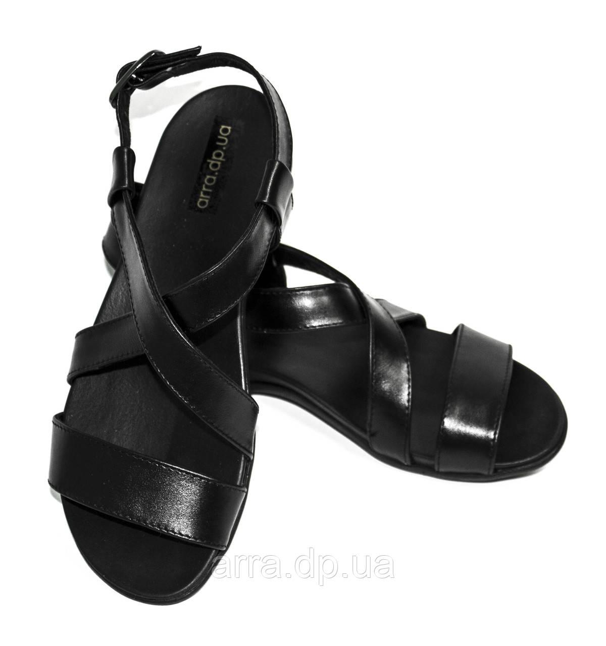 Сандалии кожаные на ортопедической подошве, цвет черный.