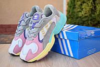 Женские кроссовки Adidas Yung весна замшевые массивные яркие адидасы (белые с розовым и желтым), ТОП-реплика, фото 1