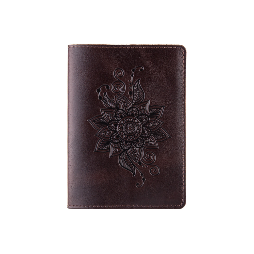 Красивая коричневая дизайнерская обложна на паспорт с натуральной кожи с художественным тиснением