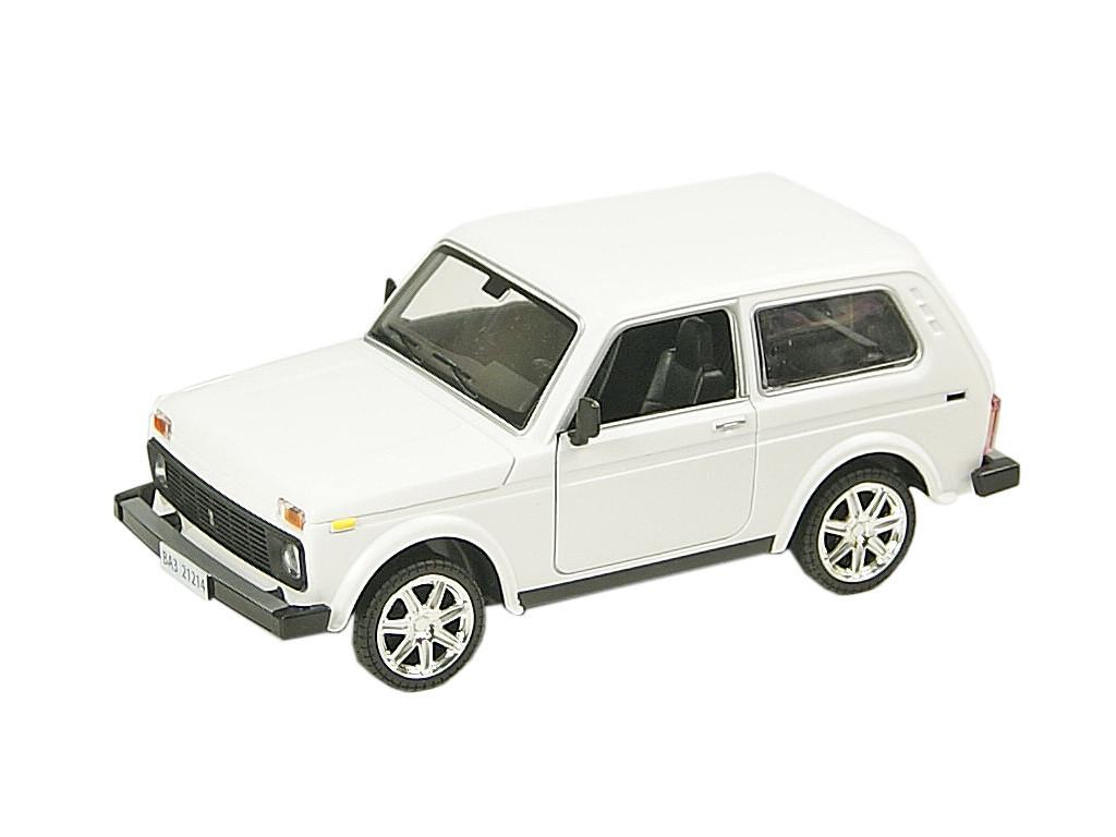 Машинка ВАЗ 21214 Нива из серии Автопром (белая)