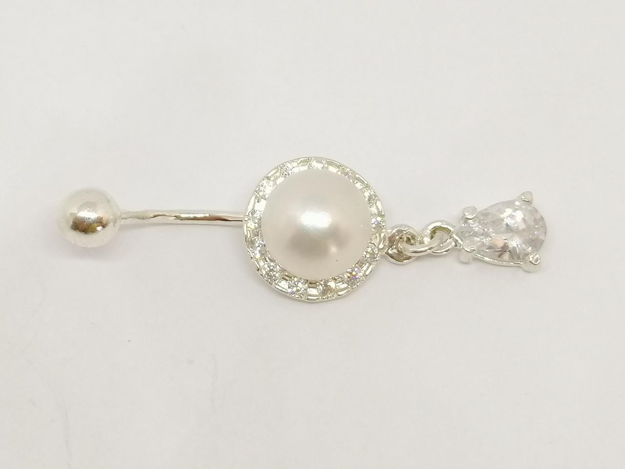Серебряная серьга для пирсинга пупка с жемчугом и фианитами. Артикул 6038-17