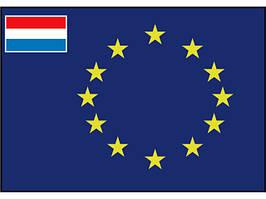 Флаг Евросоюза с маленьким флагом Голландии