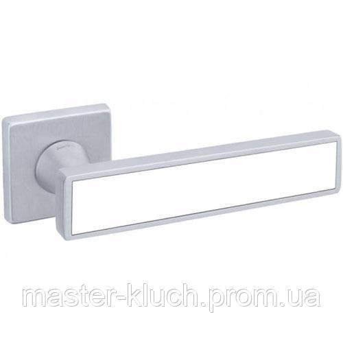 Дверные ручки dnd SOCHIC L 02 матовый хром-белый
