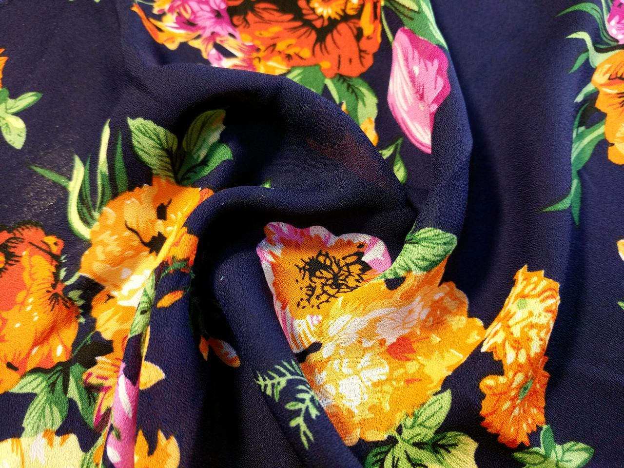 Креп-шифон цветочный букет, темно-синий