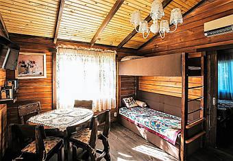 Мебель из массива натуральных пород дерева отличается долгим сроком службы. неприхотлива в эксплуатации, имеет прекрасный вид и доступную цену. Подробнее: https://lestorg.org.ua/g20292628-derevyannaya-mebel
