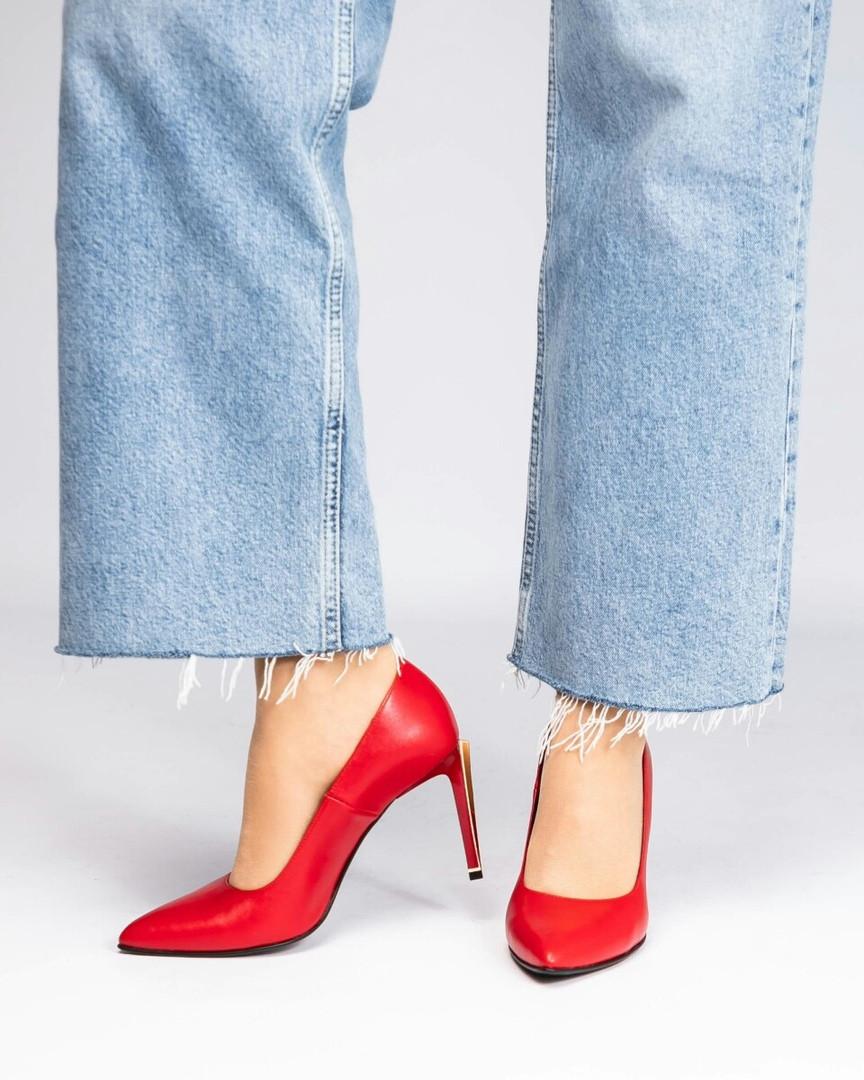 Туфли женские на шпильке красные